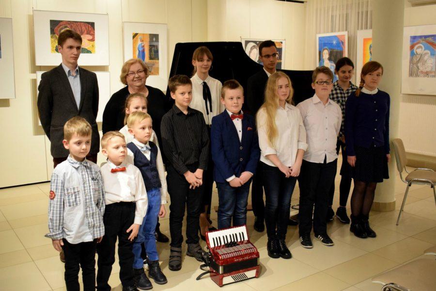 Audycja muzyczna uczniów klas fortepianu i akordeonu